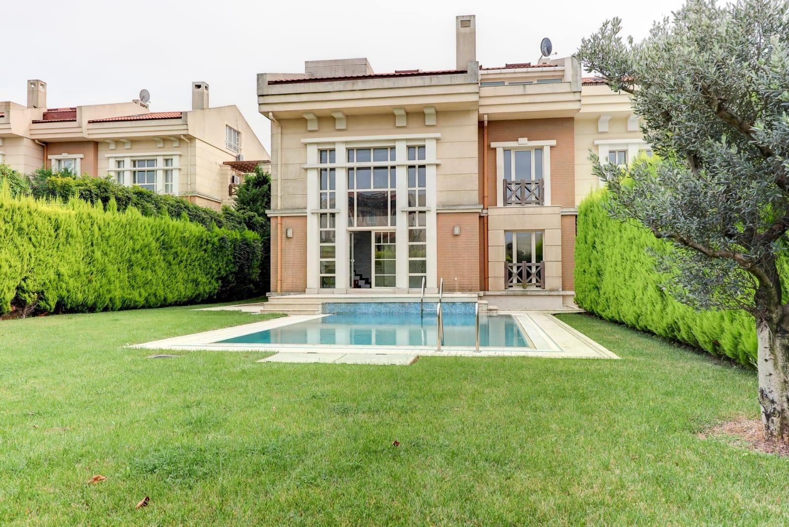 kilyos-villa-istanbul-property002.jpg
